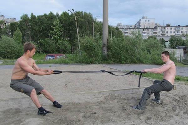 Кроссфит - спорт для дворов?