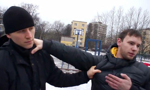 Самооборона зимой: Дмитрий Суховаров выполняет зават противника за ворот
