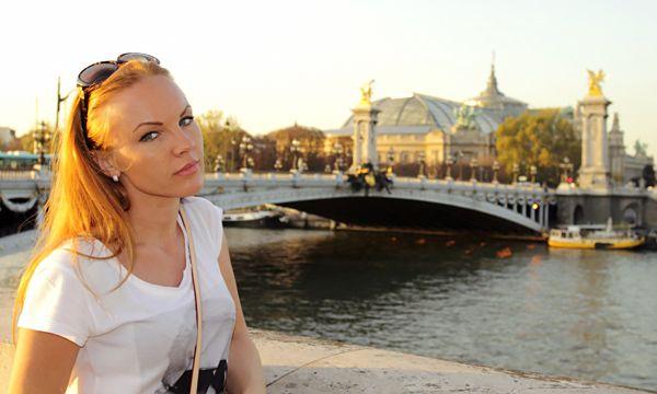 Зоя Королева в Париже